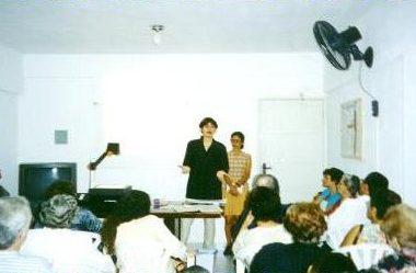 Exposição da psicóloga Rúbia Prado sobre TVP – Terapia de Vivências Passadas