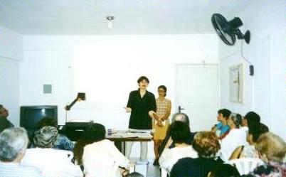 Exposição da psicóloga Rúbia Prado sobre TVP - Terapia de Vivências Passadas.