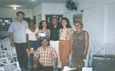 Da esquerda para a direita: Wagner Frazão, Ana Maria, Carolina Gomes, Osman Neves, Glauce Pedrosa,  Maria Eugênia e André Rocha (abaixado).